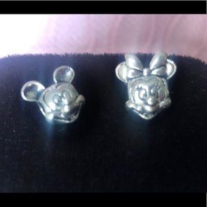 Pandora Disney set Mickey and Minnie heads. 925